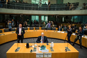 Binney_at_Bundestag
