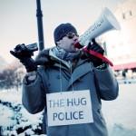 Hug_the_Police2